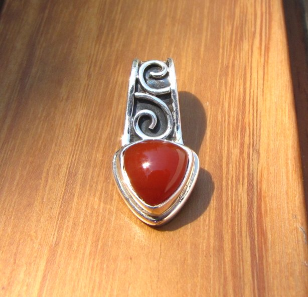Indian Jewelry Carnelian Pendant with Silver - 'Agra/8'