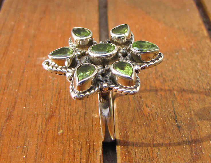 Impressive Ring with Peridot - Indian 925 Silver Jewelry
