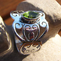 Indian  Rings Jewelry - Peridot in Ethnic style 925 Silver Design