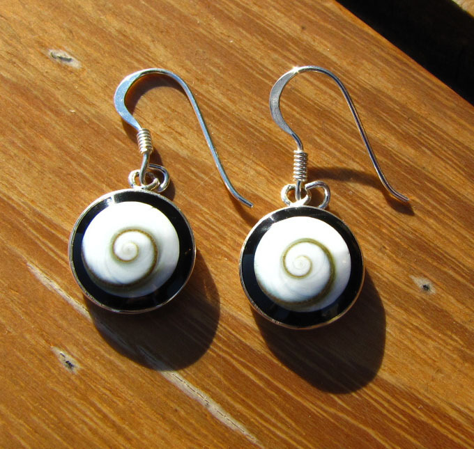 Earrings Shiva Shell with Onyx - 925 Silver Jewelry