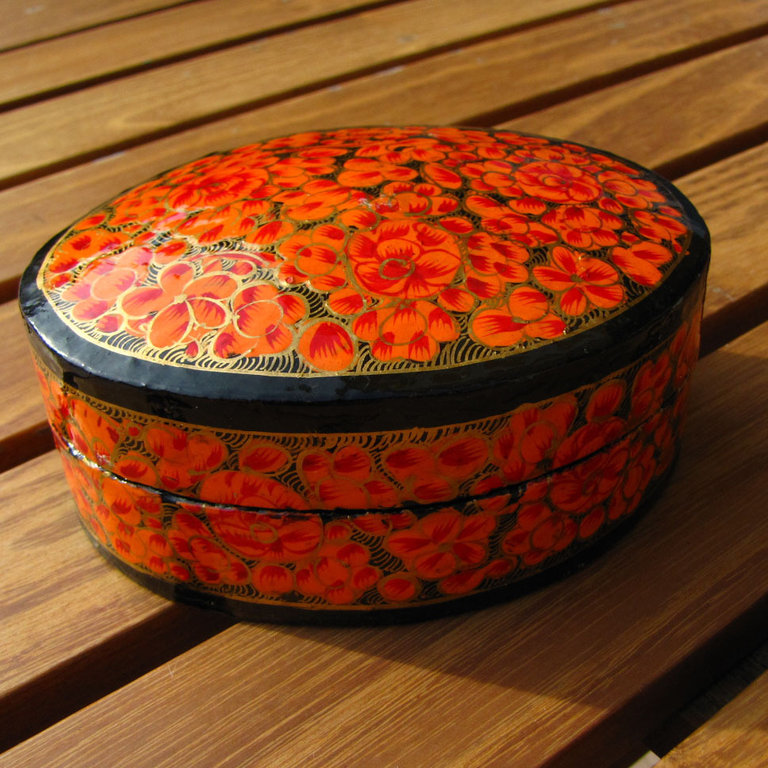 Indian painted paper casket, box papier-mâché - 'Kashmir /1'