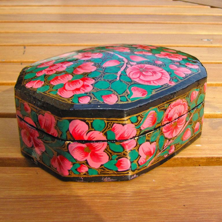 Indian painted paper casket, box papier-mâché - 'Kashmir /2'