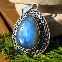 Indian Labradorite Pendant splendid Silver trim
