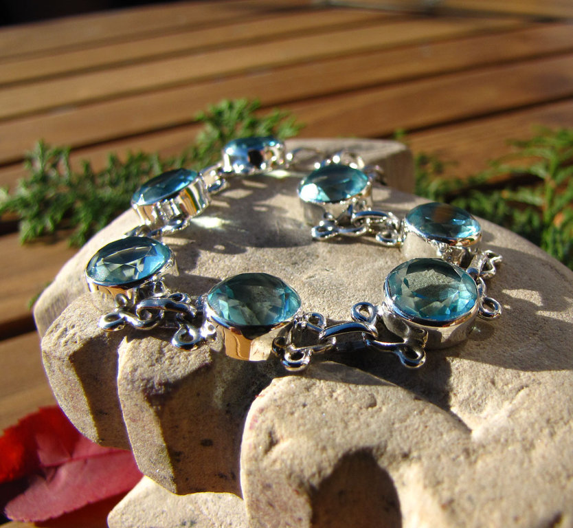 "Indian Silver Bracelet Jewelry with Blue Topaz - ""Goa/79"""
