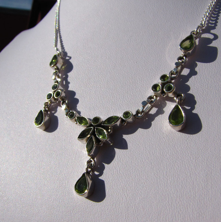 Peridot Necklace - Indian Silver Jewelry - 'Kerala/56'