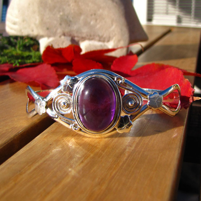 Indian 925 Silver Bangle - Amethyst with lovely ornament