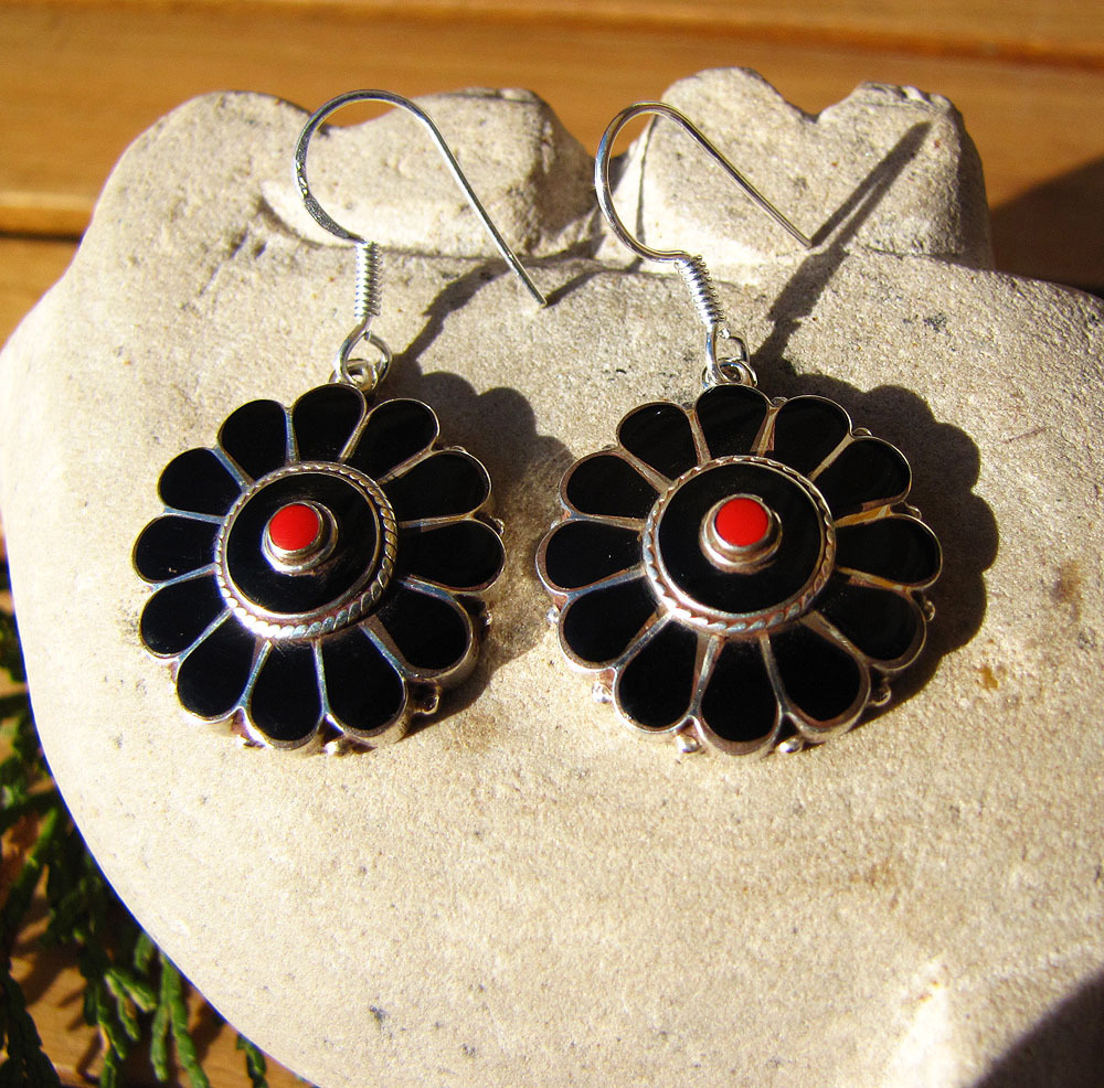 Indian Silver Jewelry - Onyx Earrings in flower shape