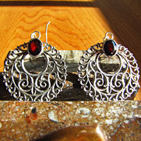 Indian Earrings Jewelry Garnet- in decorative Silver Braid