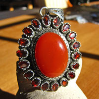 Splendid Indian Silver Jewelry Pendant Carnelian with Garnet