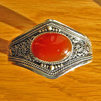 Solid Indian Silver Bangle with Carnelian - 'Madras/17-3'