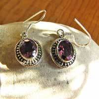 Indian Earrings - faceted Amethyst in fine Silver Ornament