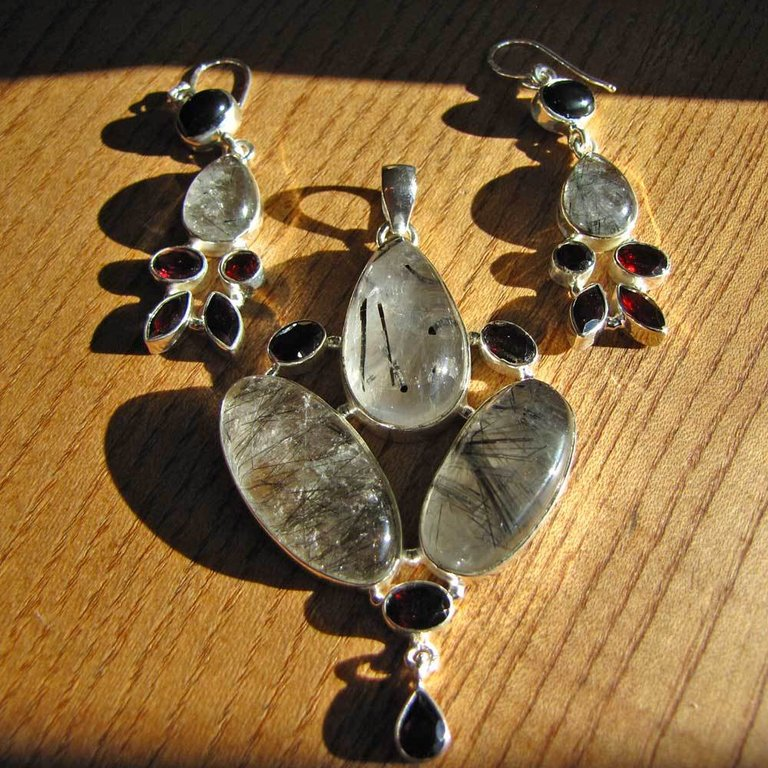 Premium Silver Jewelry Set - Rutilated Quartz and Garnet 17-11