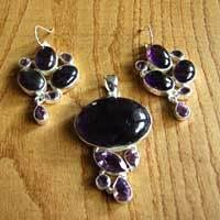 Charming Amethyst Premium Jewelry Set in Silver