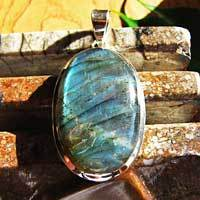 Indian Labradorite Pendant - noble Design 925 Silver Jewelry