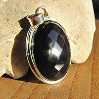 Indian 925 Silver Jewelry Pendant with faceted Onyx faceted
