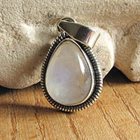 Indian silver pendant with moonstone jewelry 18-3