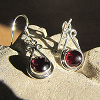 Indian Earrings with Garnet - beautiful Silver Jewelry Design