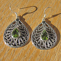 Indian Peridot Earrings - filigree 925 Silver Braid