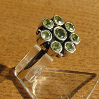 Indian 925 Silver Jewelry - Peridot Ring in Floral Design