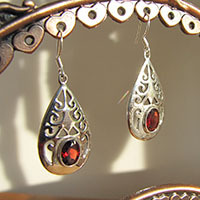 Indian Garnet Earrings Jewelry with Silver Ornament 19-1