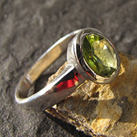Indian Peridot Rings Jewelry in 925 Sterling Silver