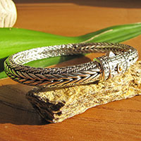 Gorgeous Bracelet braid-pattern ornated clasp - 925 Silver