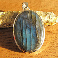 Elegant Indian Labradorite Pendant smooth Silver Setting