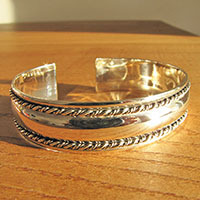 Bangle High Gloss Silver Jewelry - subtle ornament