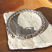 Indian 925 Silver Bracelet • Braided pattern • ornate Clasp